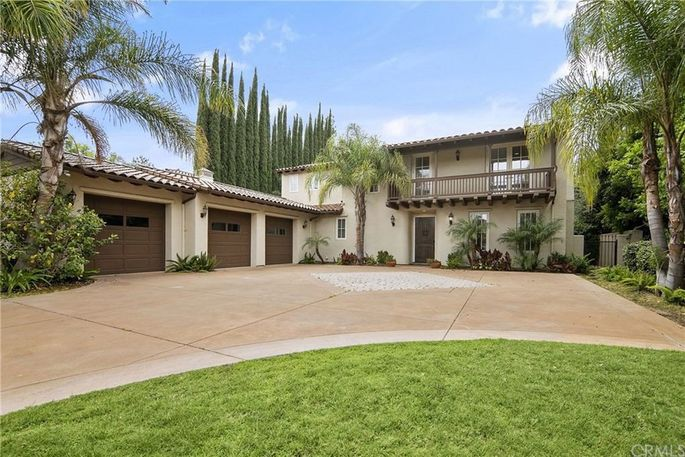 Front exterior of home in Encino, CA